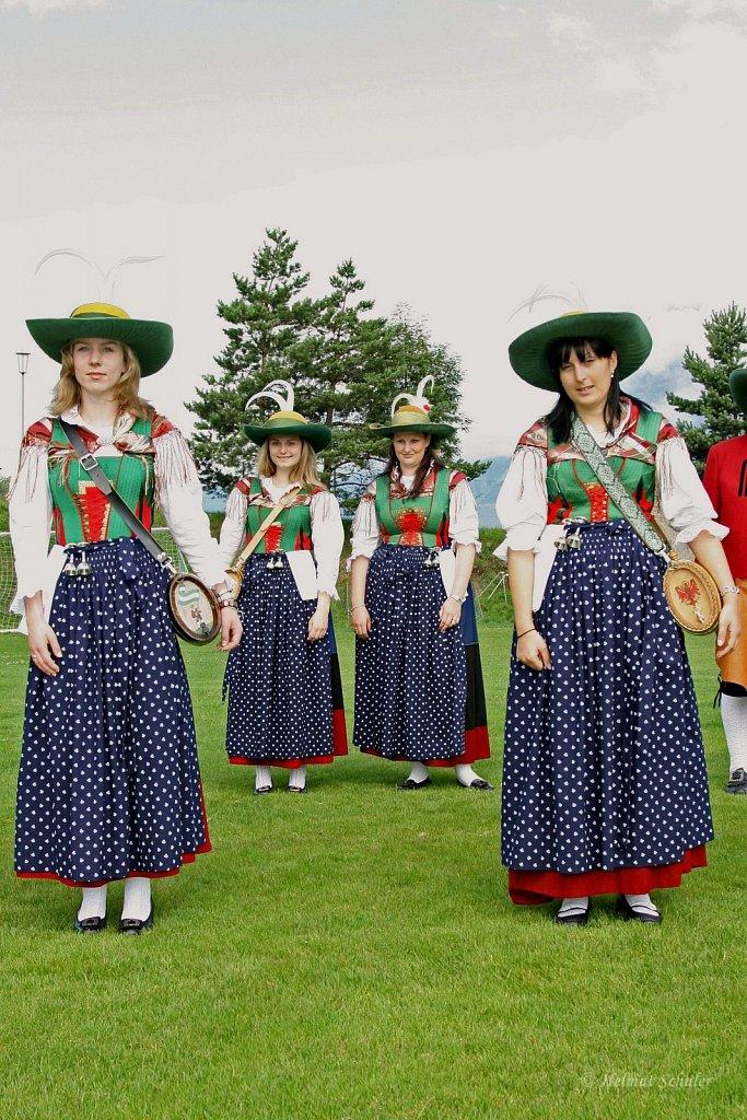 Marketenderinnen-beim-Schuetzenfest-in-Inzing-2009-IMG-7809.JPG