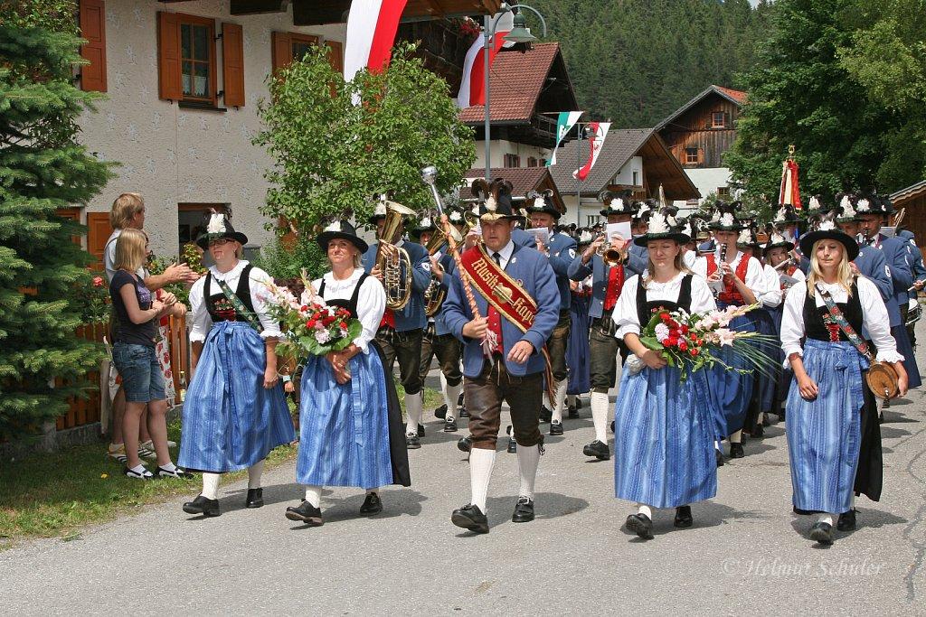 MK-Holzgau-beim-Bezirksmusikfest-in-Weissenbach-2010-313.jpg