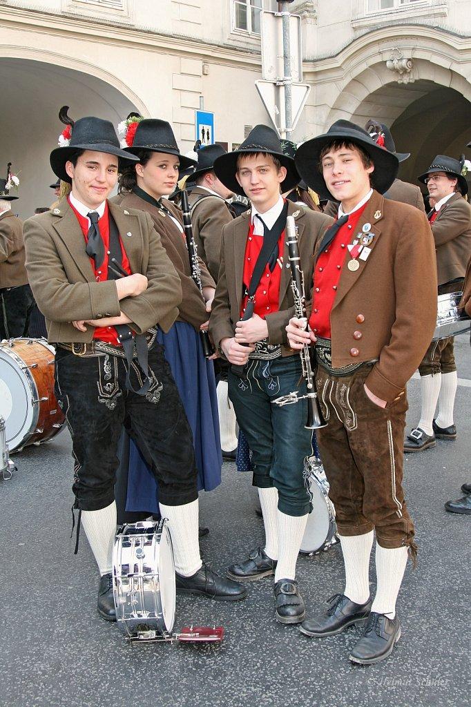 MK-Innsbruck-Amras-bei-der-Bundesversammlung-der-Schuetzen-in-Innsbruck-2010-IMG-1430.JPG