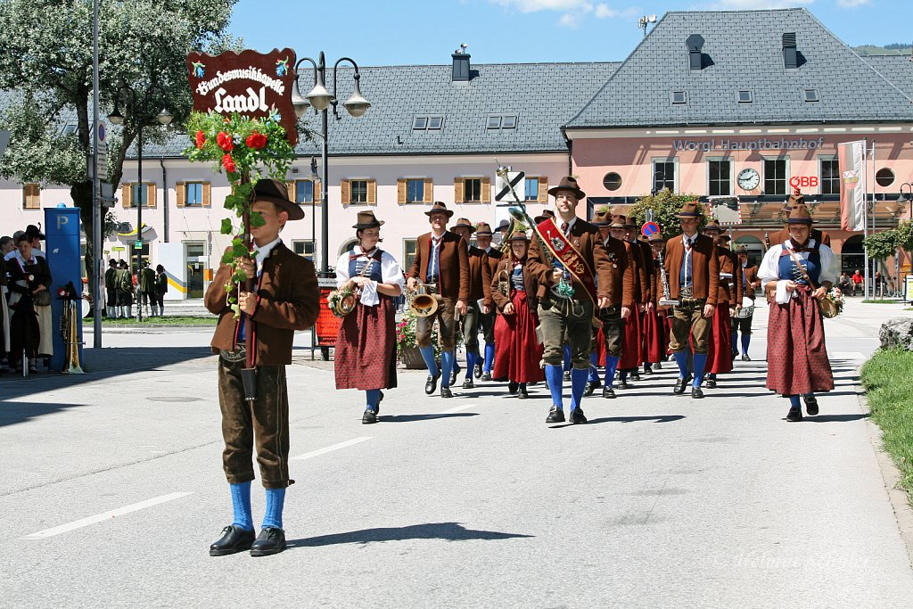MK-Landl-beim-Bezirksmusikfest-in-Woergl-2010-088.jpg