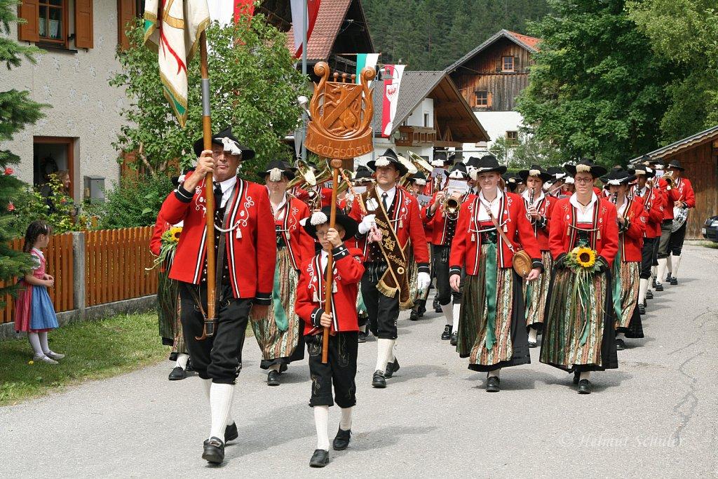MK-Lechaschau-beim-Bezirksmusikfest-in-Weissenbach-2010-353.jpg