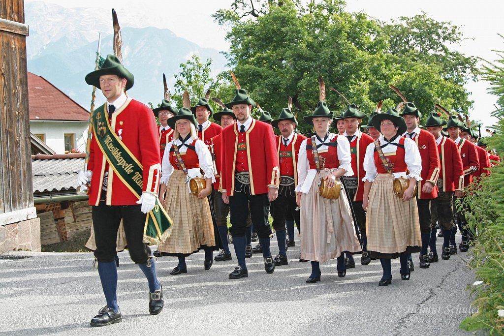 MK-Mutters-beim-Bezirksmusikfest-in-Grinzens-2009-IMG-8239.JPG