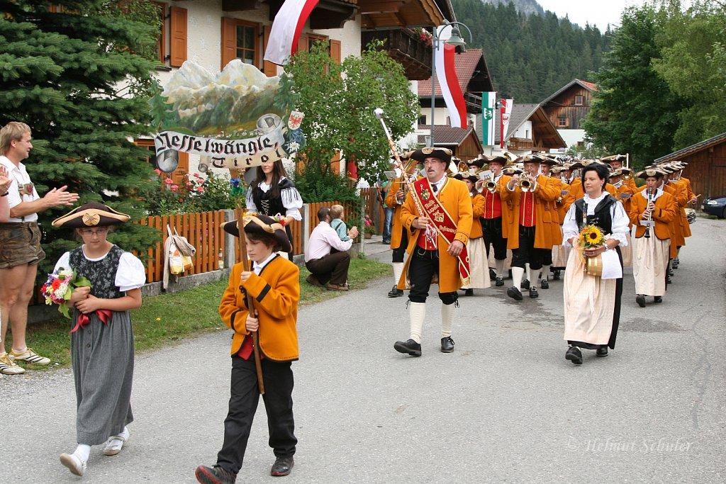MK-Nesselwaengle-beim-Bezirksmusikfest-in-Weissenbach-2010-282.jpg
