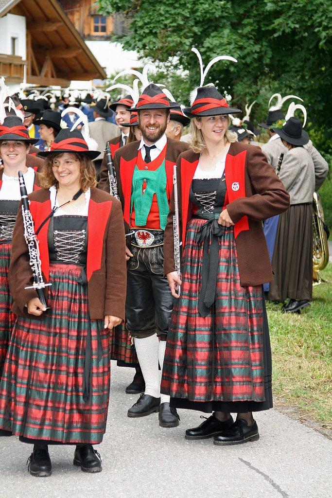 MK-Schattwald-beim-Bezirksmusikfest-in-Weissenbach-2010-194.jpg