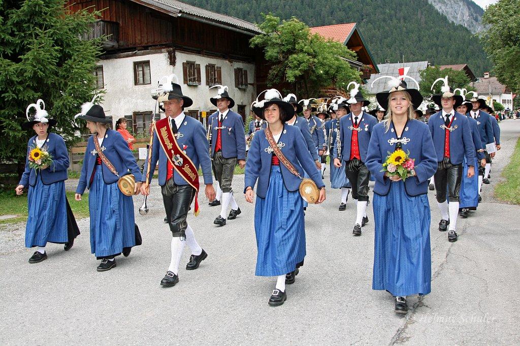 MK-Stanzach-beim-Bezirksmusikfest-in-Weissenbach-2010-214.jpg