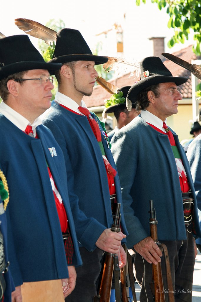 Schuetzen-beim-Regimentsschuetzenfest-in-Imst-2010-IMG-1727.jpg